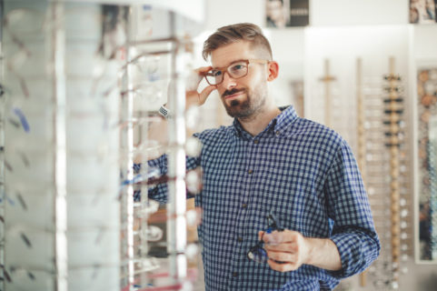 How to Pick Eyeglasses for Your Shape Face